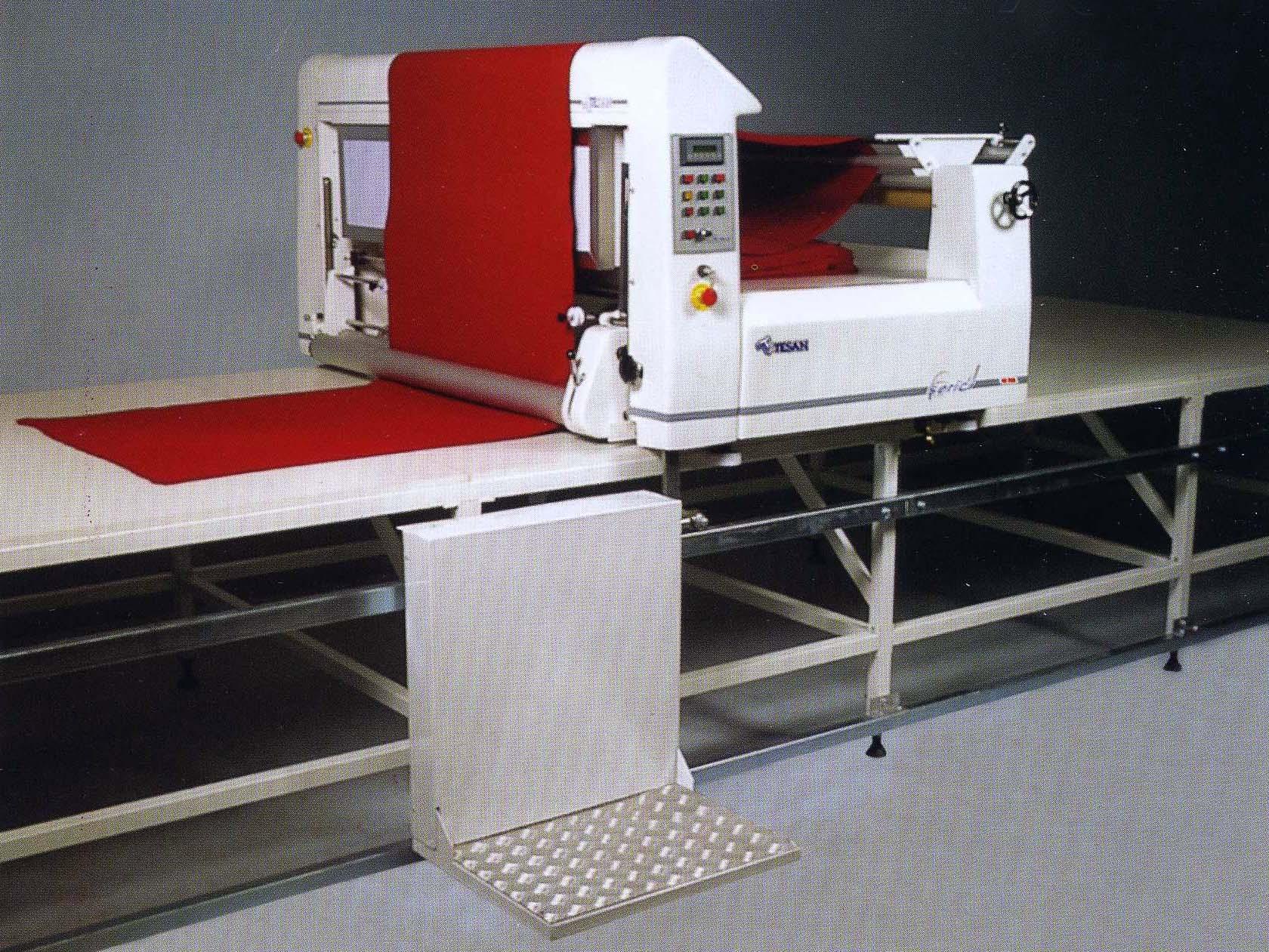 Автоматическая брикетная настилочная машина TESAN TS 100 E